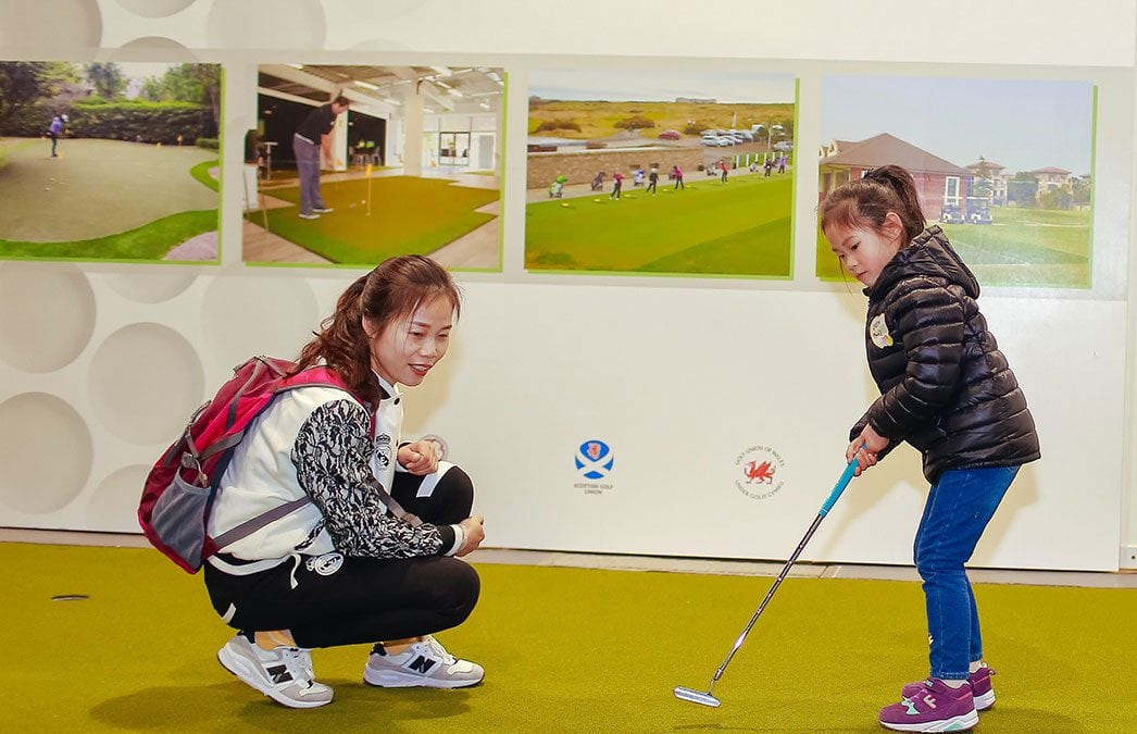 BRITAIN'S HUXLEY GOLF HELPS INSPIRE YOUNG CHINESE GOLFERS IN SHANGHAI
